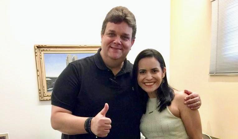Millena Melo recebe convite de Wolney Queiroz para ingressar no PDT