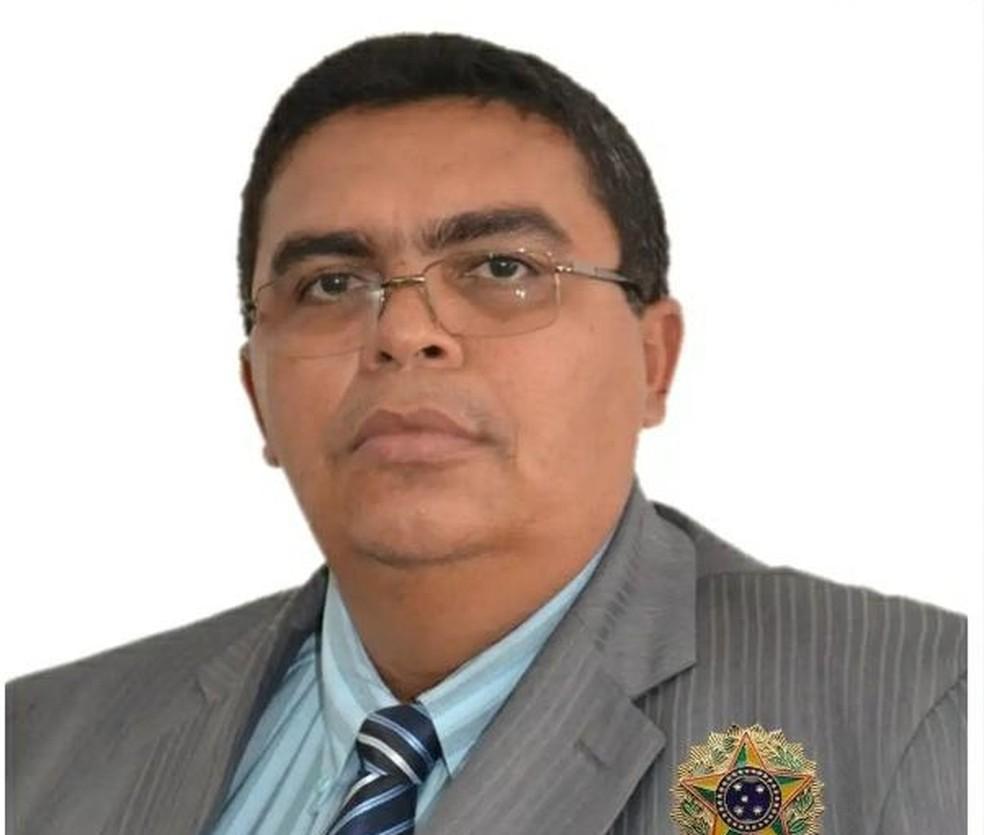 Vereador é assassinado em frente à Câmara de Vereadores de Gameleira
