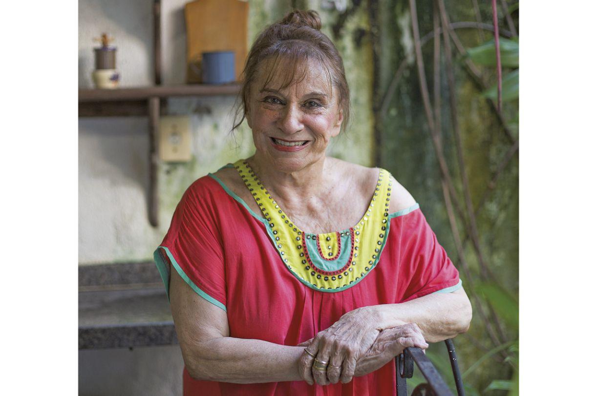 Morre, aos 91 anos, pintora Tereza Costa Rêgo