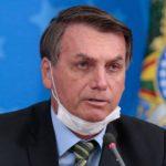 Bolsonaro está com sintomas de covid-19 e aguarda resultado de exames