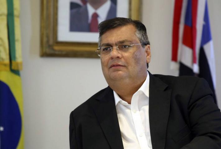 Flávio Dino anuncia vacinação de profissionais da Educação