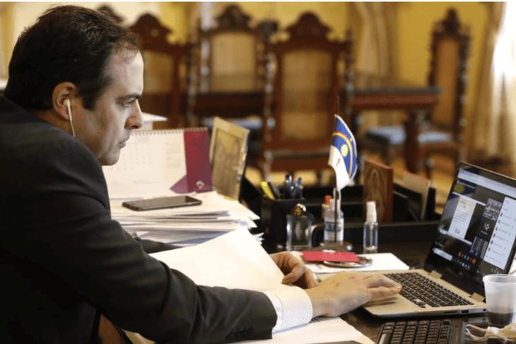 Paulo Câmara destaca a credibilidade e a excelência da Universidade de Pernambuco