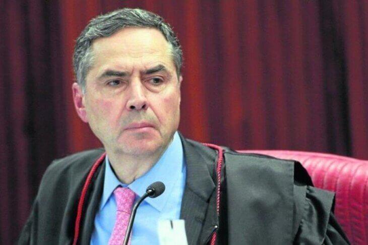 Judiciário refuta ameaças às eleições; Bolsonaro silencia