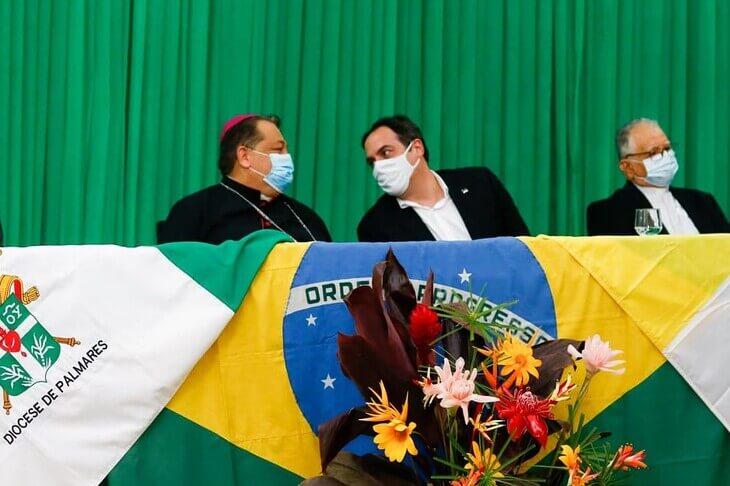 Governador Paulo Câmara participa da Acolhida de Dom Fernando Barbosa novo Bispo de Palmares