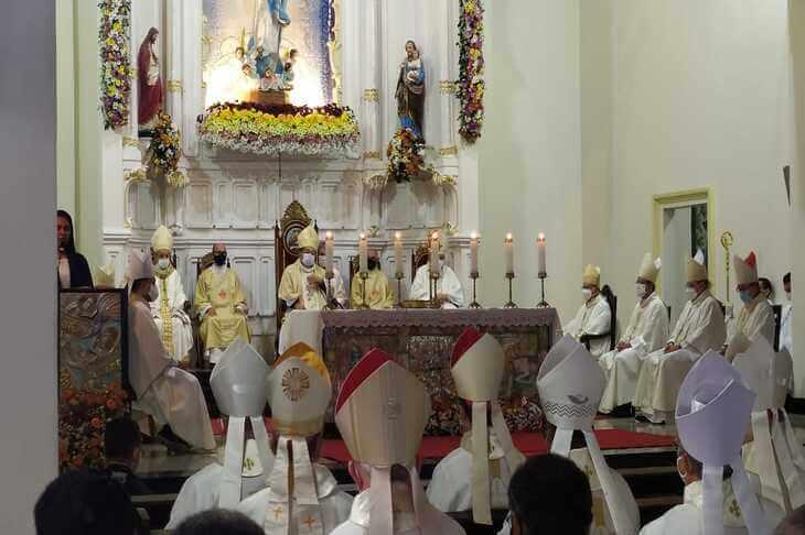 Dom Fernando Barbosa é empossado como 4º Bispo de Palmares