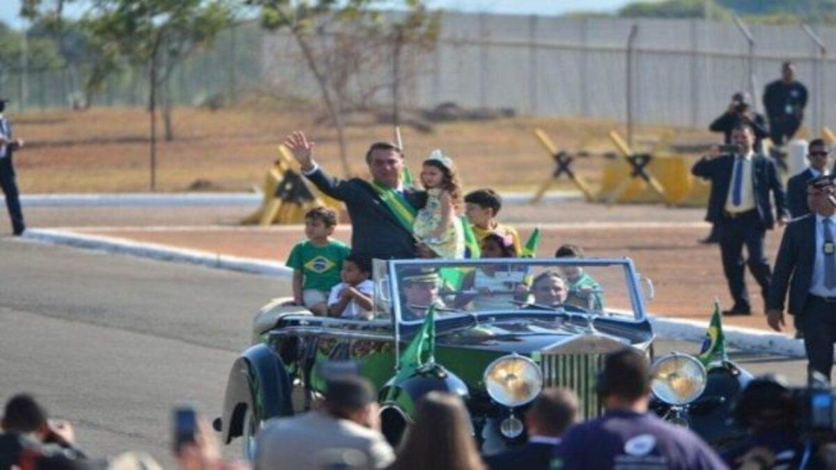Acuado e cheio de rancor, Bolsonaro está cada vez menor